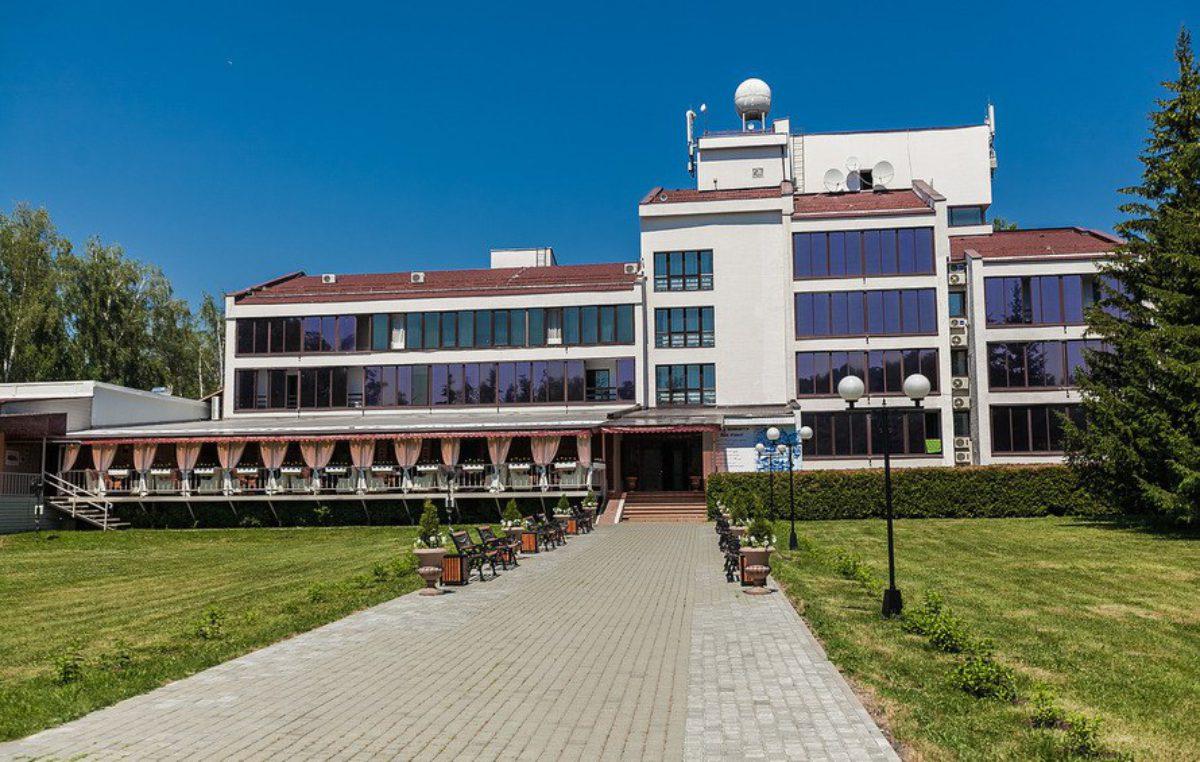 Парк-отель Ая