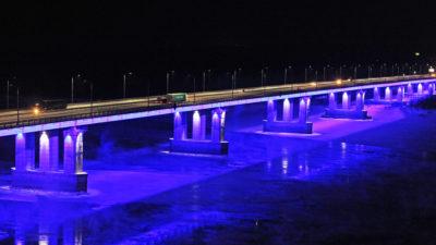 """Новый мост в Барнауле стал """"светлым""""!"""