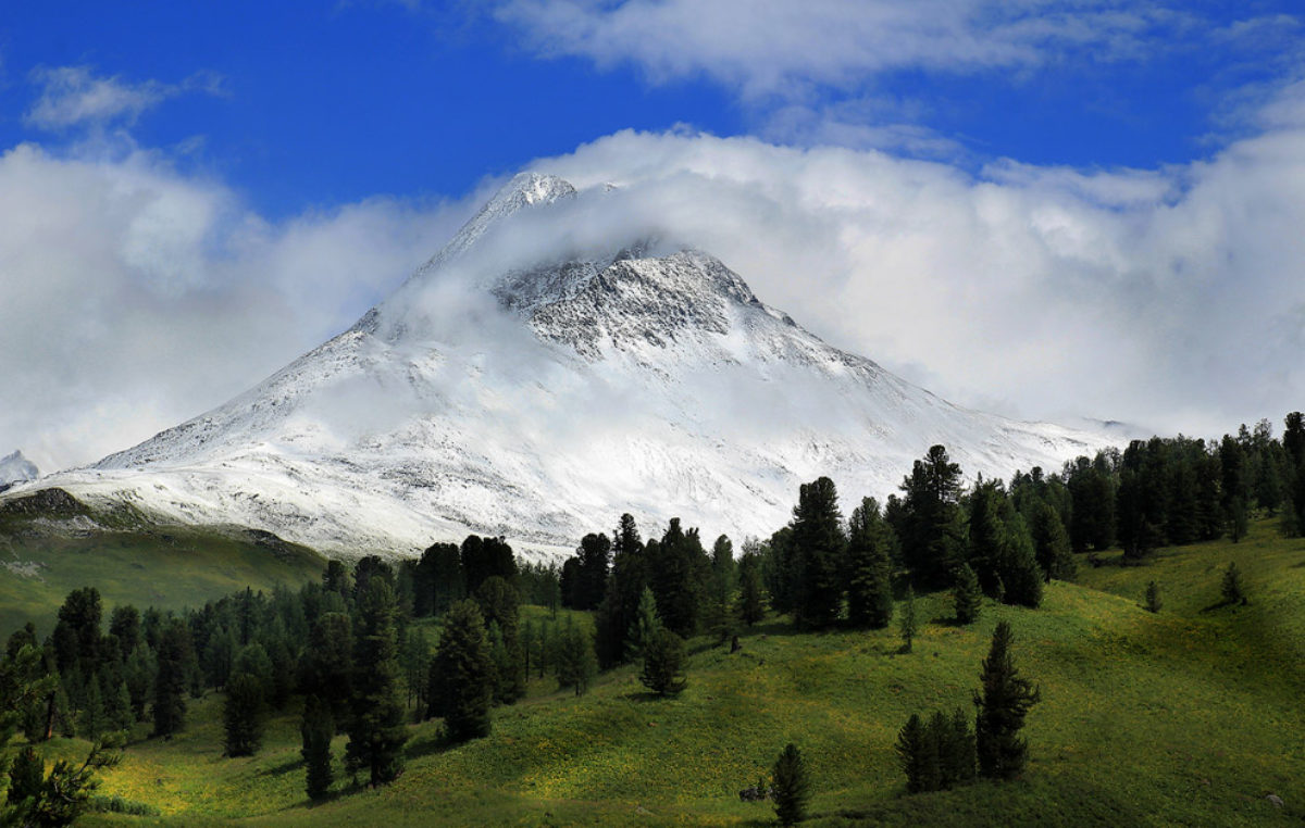 Гора Белуха и Алтайское Беловодье в ТОП-10 мистических мест России